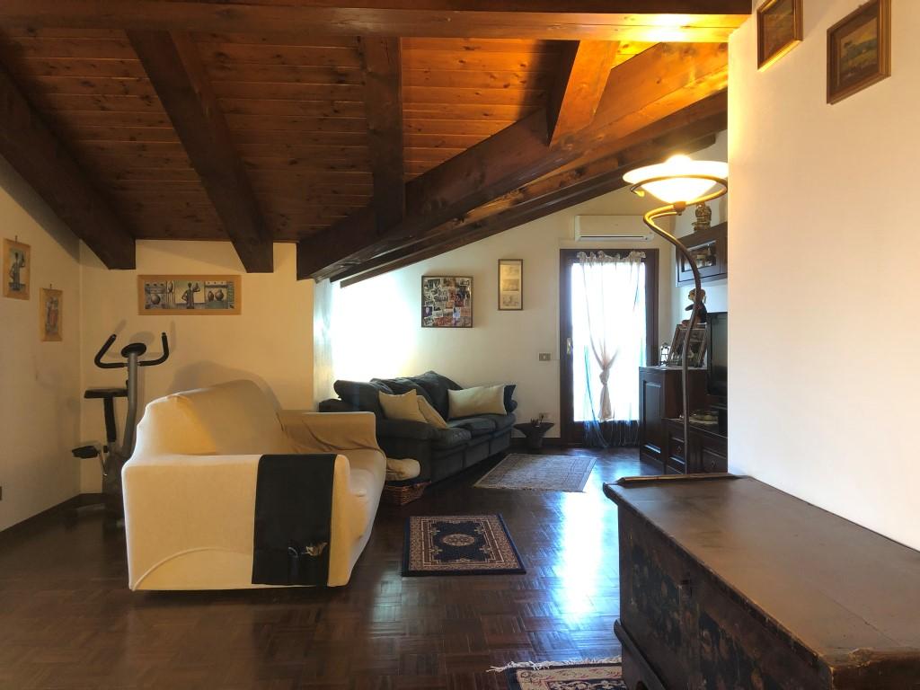 Agenzia Immobiliare Vigodarzere cod. rif. 419 - tricamere con grande mansarda su 2 livelli